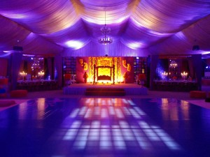 8-Area-51-Marquee-head-table-with-candelabras